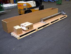 Промышленные рулонные скоростные ворота Dynaco упаковка - деревянный ящик.