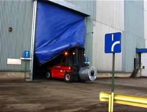 Промышленные рулонные скоростные ворота Dynaco система восстановления полотна после